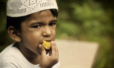 bagaimana adab makan dan minum dalam islam